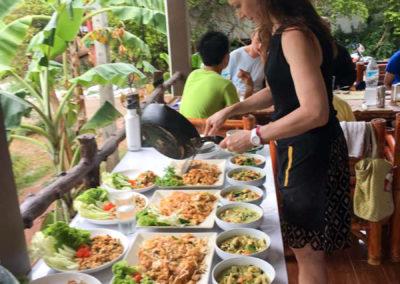 thai-cooking-classes-idjangs-kitchen-koh-tao-thailand-7